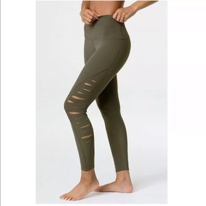 Onzie Harley Slit-Side Performance Leggings XS